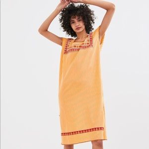 NWT's Embroidered Detail Dress - Size Small S